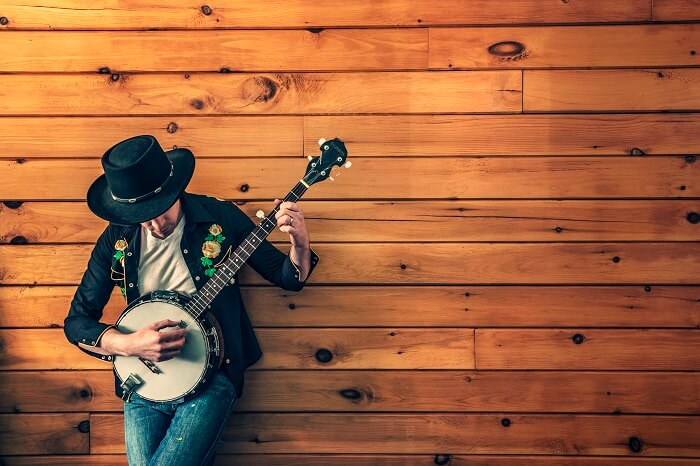 9 Banjo Lessons Resources to Step Up Your Picking