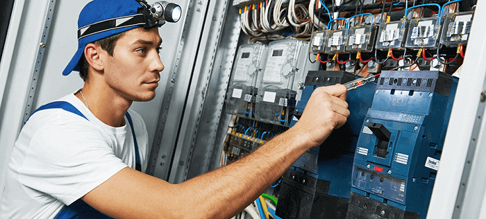 Top 6 Online Electrician Courses – How to Become Certified